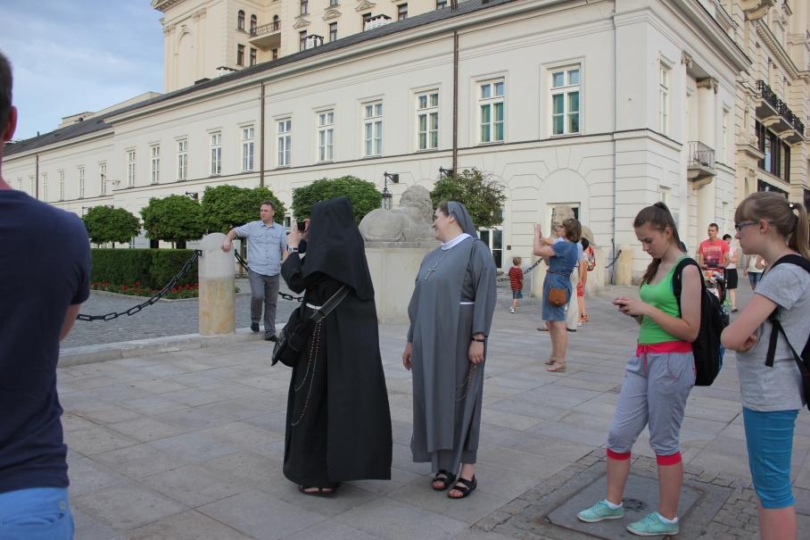 Nun's